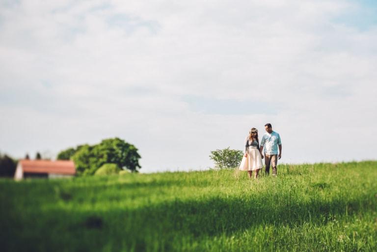 Cottage Engagement   Toronto Wedding Studios   Ontario Photographer